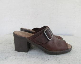 038b0e8913f 90s Minimalist Square Heel Brown Leather Mules
