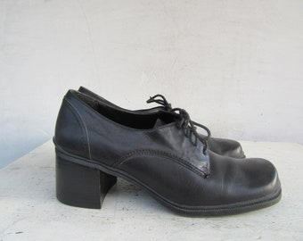 5a96188f40ecab 90s Chunky Heel Oxford Shoes