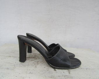 d744b1e830 90s Minimalist Square Heel Black Leather Mules, 1990s Block Heel Mules  Slides Sandals Shoes, Open Toe Mules, Banana Republic Y2K, 6 EU 36.5
