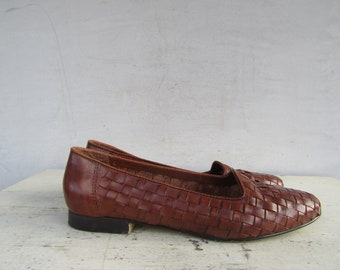 6d8eb56d6abe 80s Cognac Brown Woven Leather Flats made in Brazil