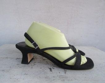 cd50d4fa39d 1990s Strappy Open Toe Block Heel Sandals