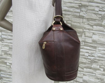 8dad15966a5b 1990s Valentina Brown Leather Convertible Satchel