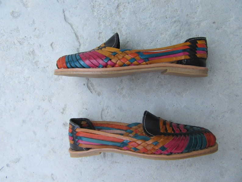 1990s Woven Leather Flats Shoes 90s 1980s 80s BLack Multicolor Leather Huaraches Size 9 EURO 40
