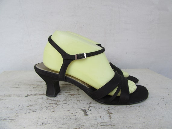 1990s Strappy Open Toe Block Heel Sandals, Minimal