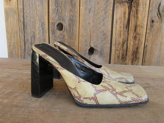 90s SNakeskin Python Leather BEBE Block Heel Squar