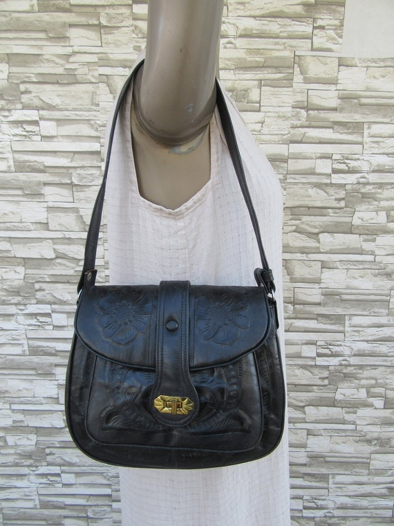 6c51bba3cac4 Vintage Black Tooled Leather Satchel Bag Purse Tote Handbag