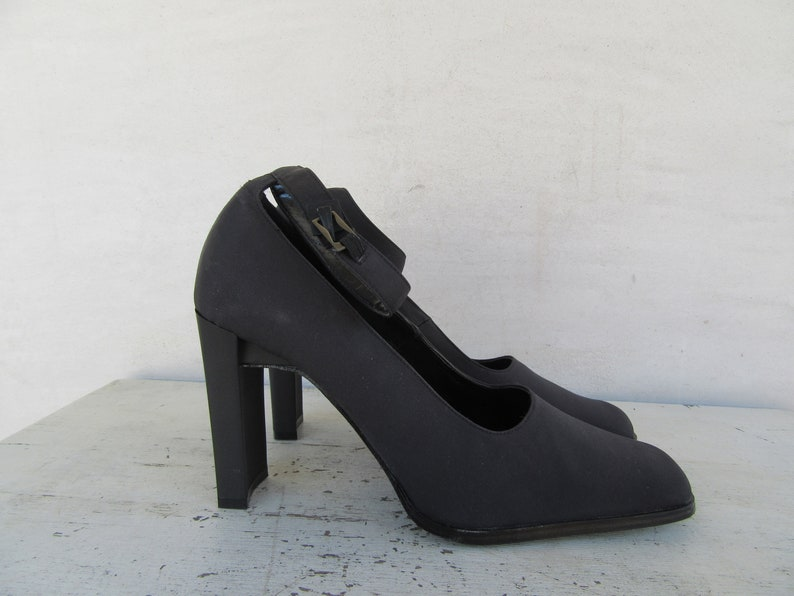 222bb55ddee7 90s Square Heel Mary Janes Block Heel Mary Janes 1990s