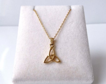 18ct Gold over Sterling Silver Celtic Knot Pendant & Chain.