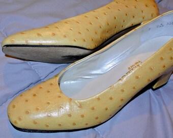 c58eef5b1 1960s Yellow Mod Shoes