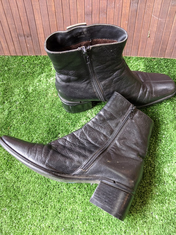 90's Black Leather Ankle Boots - image 6
