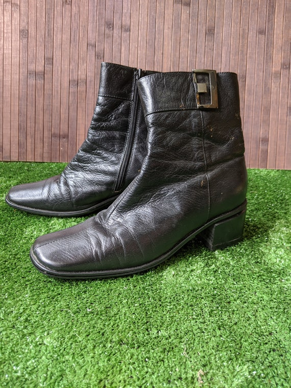 90's Black Leather Ankle Boots - image 3