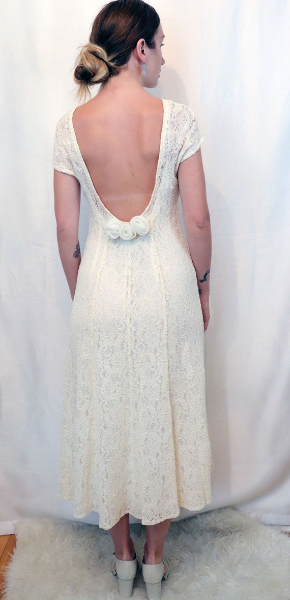 1970's Lace Backless Wedding Dress