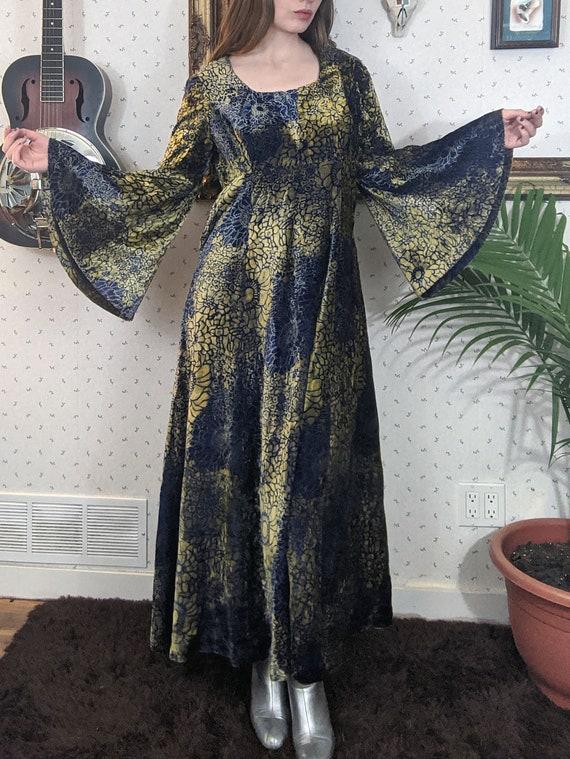 1970's Velvet Blue & Gold Velvet Dress