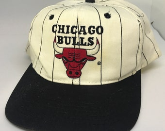 VTG Chicago Bulls Pinstriped 90s snapback hat