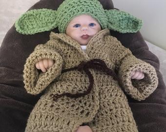 Baby Star Wars Yoda hat and robe ad10382243aa