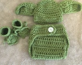 Elf hat, diaper cover and booties, baby alien outfit, elf Halloween costume, newborn photography props, baby gift, crochet elf outfit