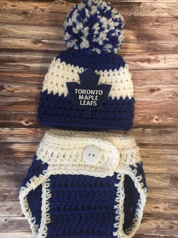 super popular 0cd2a b6e20 Baby Toronto Maple Leafs hockey hat, newborn Maple Leafs outfit, hockey  team photo props