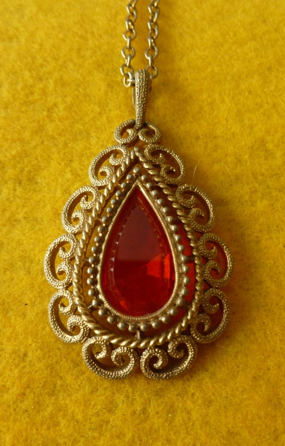 Antique Gold-Tone Metal Brown Faceted Stone Pendant Necklace
