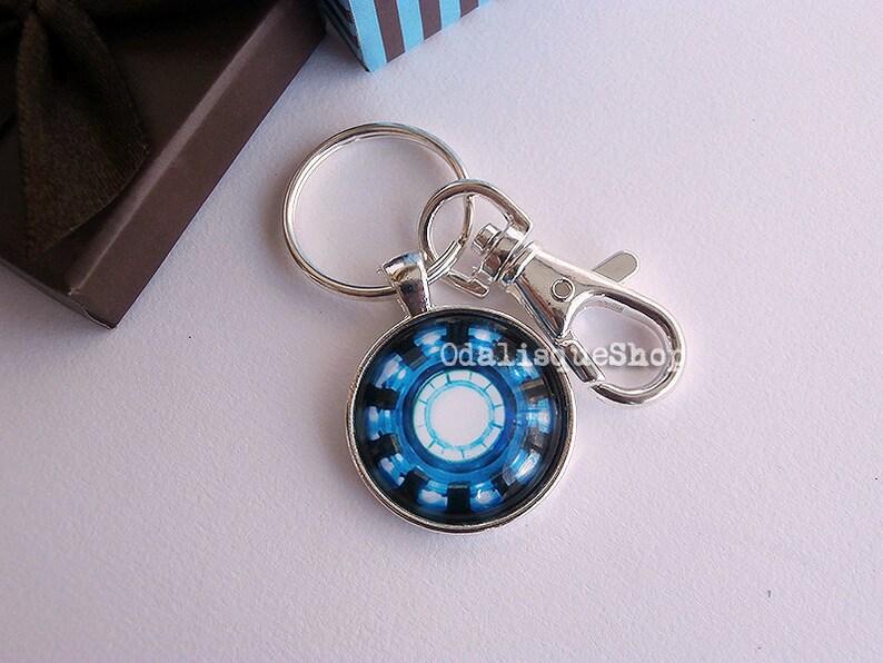Iron Man Keychain Arc Reactor Keyring Tony Stark Armor Suit Jewelry Avengers Blue Power Silver Bronze SKR09
