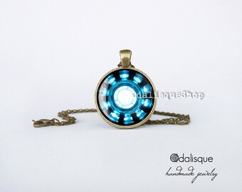 Iron man necklace Arc Reactor Pendant Tony Stark Armor Suit Jewelry Bronze Blue Power Armor Suit  Keyring gift present Avengers cb09
