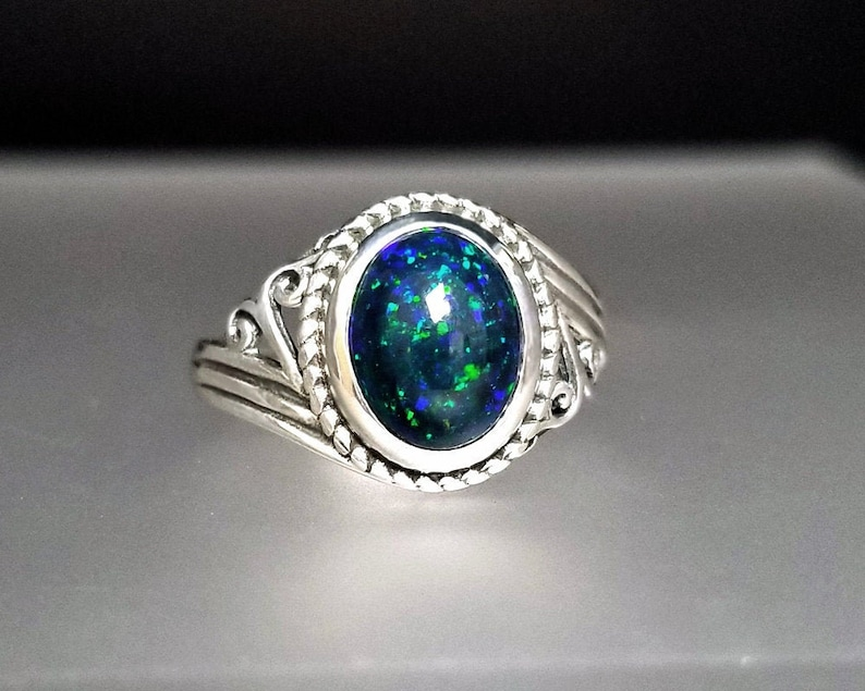 3.5 ct Ethiopian Welo Opal Ring in Sterling Silver / Natural image 0