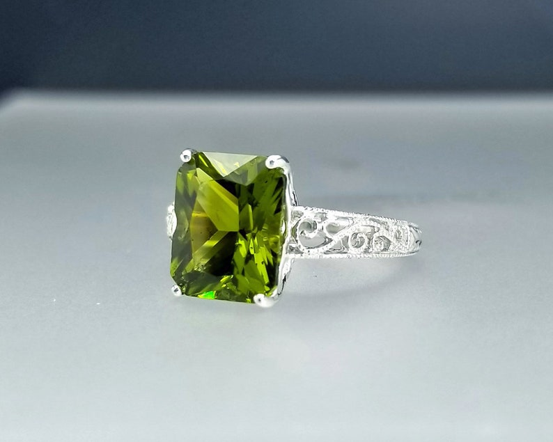 5 ct Peridot Ring in Sterling Silver / Art Deco Vintage Style image 0