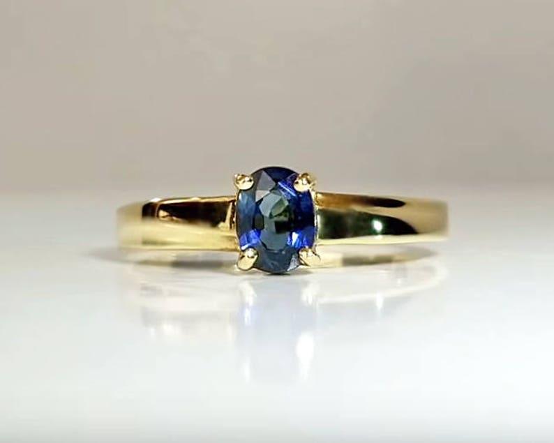 1/2 ct Sapphire Engagement Ring in 14K Yellow Gold / Natural image 0