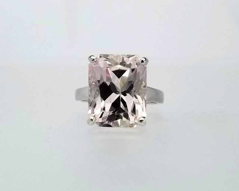 12 ct Light Pink Kunzite Ring in Sterling Silver  / Natural image 0