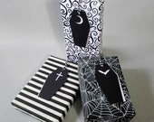 6 Coffin Gift Tags //White Red Purple or Mixed //Birthday Wedding Anniversary Favour Place Card Goth Gothic Halloween Present Wrap Party Bag