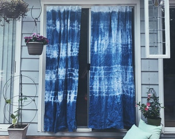 Japanese girls sex window blue curtain