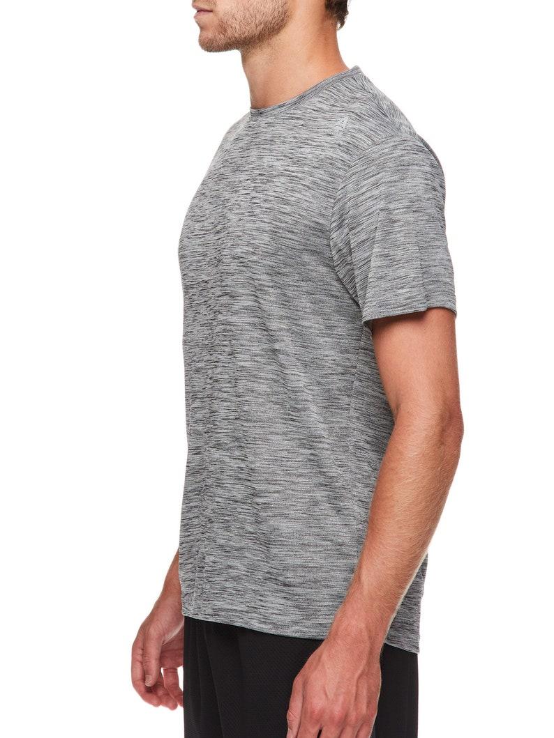 Reebok Men/'s Neptune Crewneck T-Shirt Short Sleeve S