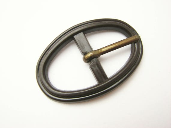 Round belt buckle made of plastic Small brown buckle UNUSED!!