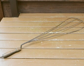 Wire Rug Beater, Vintage Carpet Beater, Antique Housekeeping Tool