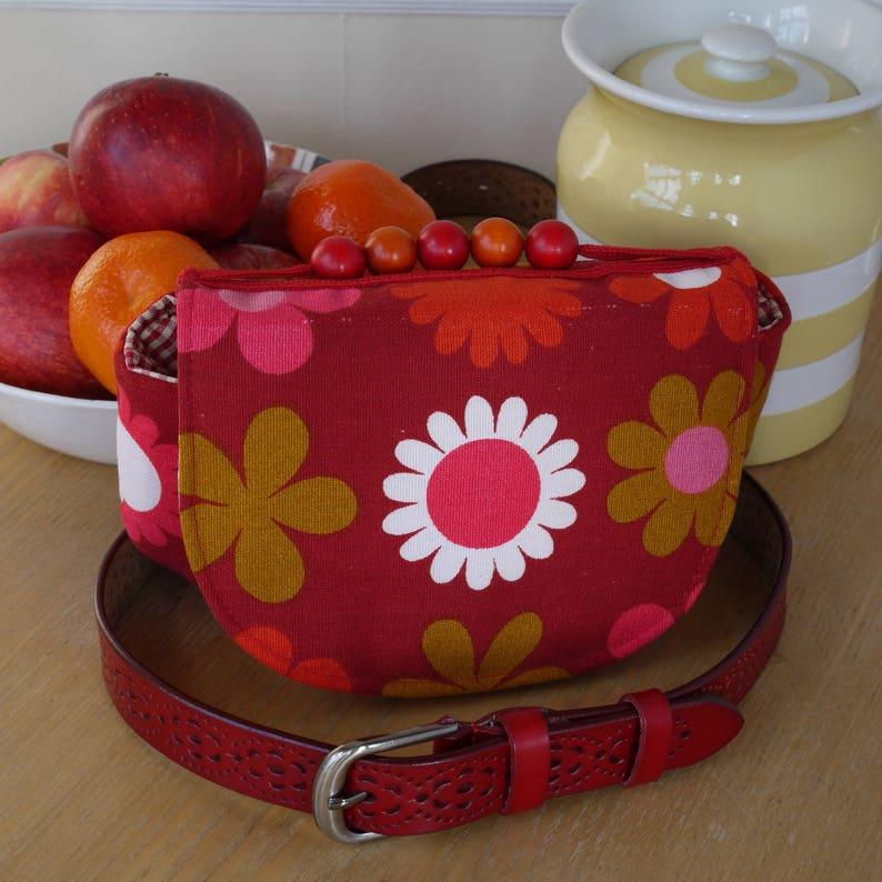 Multi-pur-purse Buttercup belt bag in red retro image 0