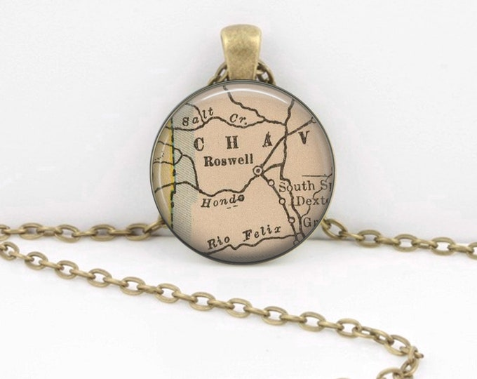 Roswell New Mexico Area 51 Gift Vintage Map Pendant Necklace or Key Ring