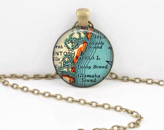 Sapelo Island Georgia map necklace pendant charms jewelry charm, map jewelry, Key Ring Key Chain Gift