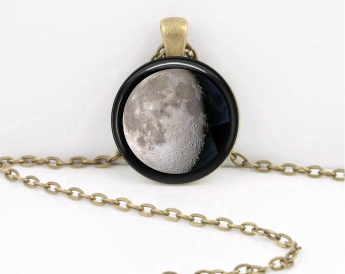 Custom moon phase necklace, Moon in Night Sky, custom birth moon,  moon necklace, personalized jewelry, personalized gift, custom jewelry