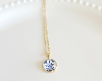 Blue and White China Colonial Porcelain Pattern 14K Gold Filled Pendant and Chain