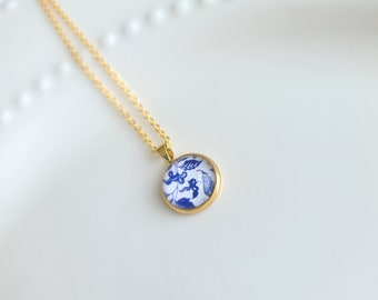 Blue and White China Ming-Era Porcelain Pattern 14K Gold Filled Pendant and Chain