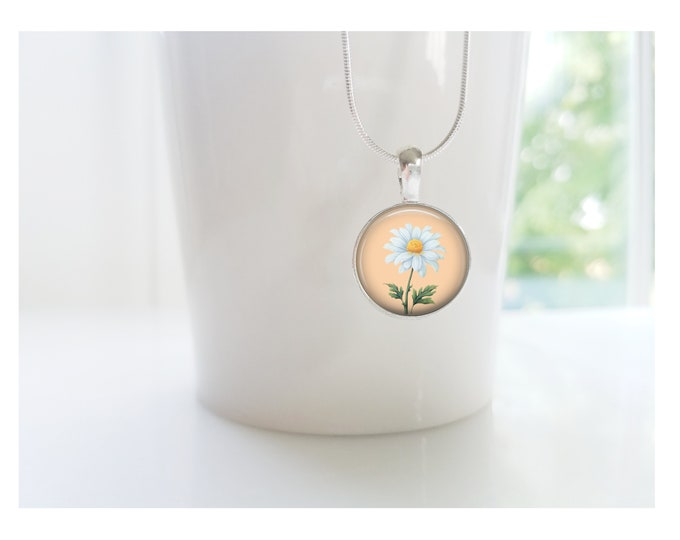 Daisy April Flower of the Month Pendant, Sterling Silver Birthday Necklace, Bridesmaid Gift, Birth Month Flower Gift