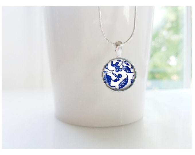 Blue and White Ming China Porcelain Pattern Sterling Silver Pendant Necklace