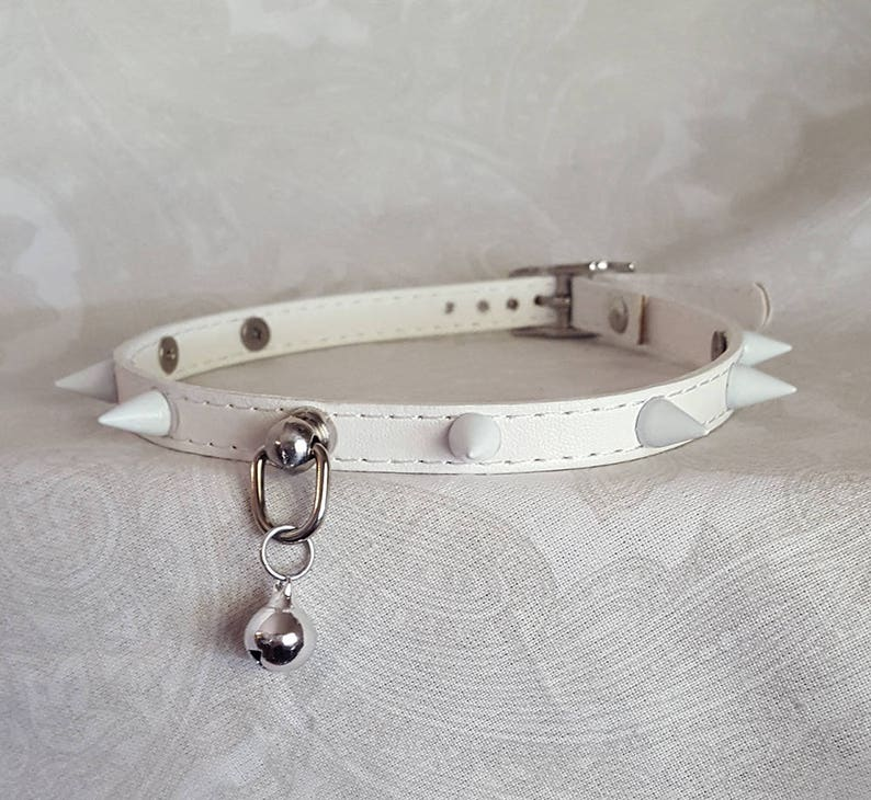 823c6c6a6651 10mm All White Faux Vegan Leather Spiked Choker Buckling