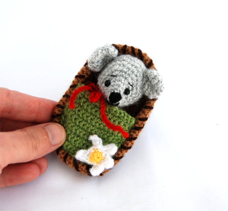 small crochet mouse amigurumi mice travel toy miniature mice mouse toy in a box little mouse in a nutshell two in one gift for children