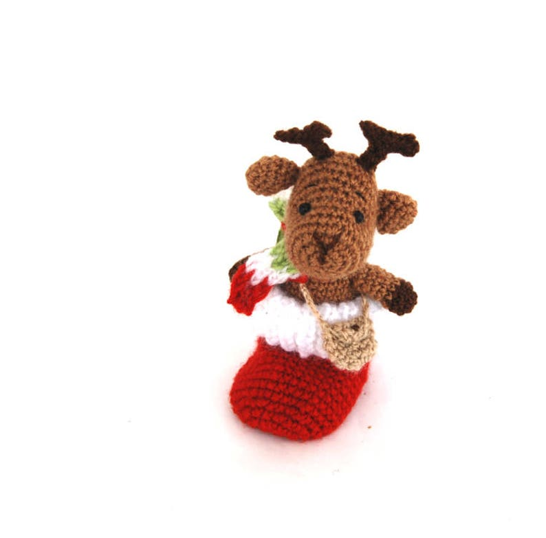 A HAND KNITTED FUN SANTA GREAT LITTLE STOCKING FILLER. 5 INCHES TALL