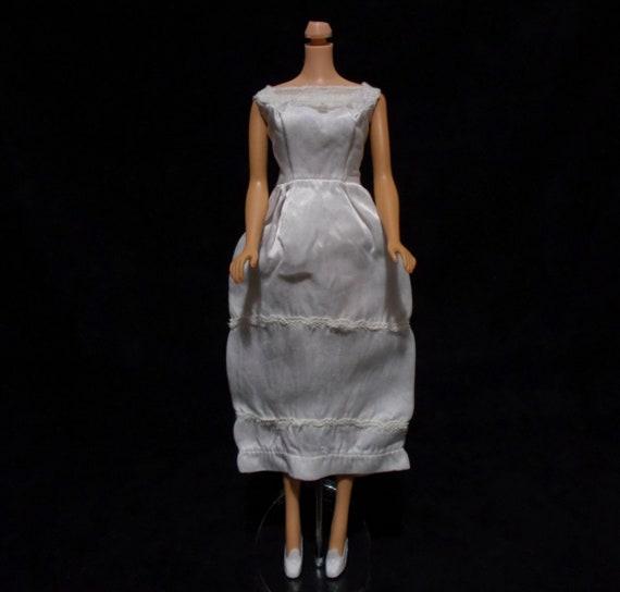 Barbie White Wedding Dress Mid Length Gown Metal Zipper Doll  8c73b5711f99