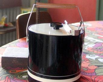 Vintage Retro 1970's Plastic Ice Bucket wooden handle