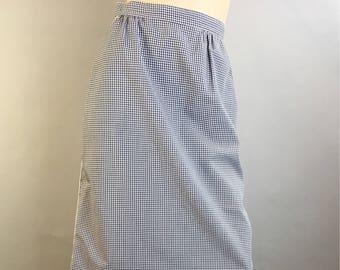 Gingham Skirt// Vintage 70s Gingham Skirt With White Piping// Vintage 70s A-line Gingham Skirt (F1)