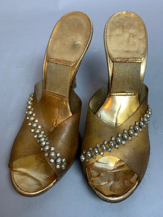 Vintage Plastic Shoes// 50S Clear Gold ANd Rhinest