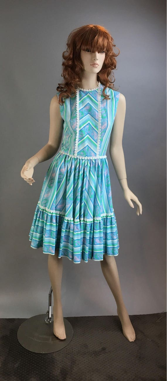 Vintage Square Dance Dress// Pastel Flounce Dress/