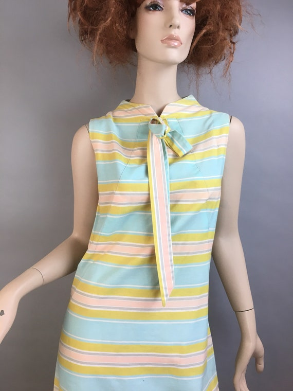 60s Mod Dress// Pastel Mod Shift Dress// Vintage … - image 2